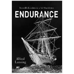 În august 1914 Ernest Shackleton a pornit la bordul naveiEndurancespre Antarctica Î&537;i propusese s&259; traverseze continentul alb ultima mare provocare a explor&259;rilor terestre În ianuarie 1915 dup&259; sute de kilometri parcur&537;i în apele polare vasul r&259;mâne captiv într-o insul&259; de ghea&539;&259; Astfel începe una dintre cele mai dure lupte pentru supravie&539;uire o odisee modern&259;