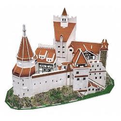 Cu o istorie de peste 600 de aniCastelul Braneste inconjurat de mituri care l-au transformat de-al lungul timpului intr-unul dintre cele mai vizitate monumente din Romania In fiecare an sute de mii de turisti calca pragului supranumitului Castel al lui Dracula Istoria recenta a castelului incepe in anul 1920 cand Consiliul Orasenesc Brasov a donat castelul Reginei Maria a Romaniei în semn de recunostinta fata de contributia sa la infaptuirea Marii