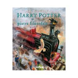 Via&539;a lui Harry Potter se schimb&259; pentru totdeauna în ziua anivers&259;rii a unsprezece ani când uria&537;ul Rubeus Hagrid îi aduce o scrisoare &537;i câteva ve&537;ti uimitoare Harry Potter nu-i vreun b&259;iat obi&537;nuit e vr&259;jitor O aventur&259; extraordinar&259; st&259; s&259; înceap&259;Prima edi&539;ie ilustrat&259; din magica serie clasic&259; scris&259; de JK Rowling este în&539;esat&259; cu