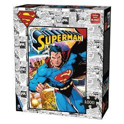 Puzzle 1000 piese SupermanPetrece-ti timpul liber intr-un mod constructiv Rezolvarea puzzle-urilor te ajuta sa iti dezvolti noi aptitudiniCaracteristiciDimensiune puzzle 68x49 cm Dimensiune cutie 28x24x65 cm Varsta recomandata 10 aniAtentionare Produsul este contraindicat copiilor sub varsta de 3 ani deoarece poate contine piese mici care pot fi inghitite sau inhalate existand pericolul de sufocare  Va rugam NU lasati ambalajele produselor la indemana copiilor Indepartati