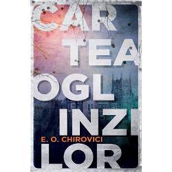 """Volumul care a luat cu asalt marea pia&355;&259; interna&355;ional&259; de carte """"Cartea Oglinzilor"""" este singurul titlu al unui scriitor român ale c&259;rui drepturi de publicare au fost vândute în peste 38 de &355;&259;ri Scriitorul Eugen Ovidiu Chirovici a n&259;ucit lumea literar&259; cu primul s&259;u roman în limba englez&259; considerat """"un fenomen editorial interna&355;ional"""" The"""