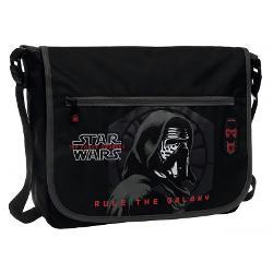 Geanta de laptop Star Wars Kylo are un compartiment special pentru laptop este confectionata din poliester piele ecologica si PVC este de culoare neagra si are un buzunar frontalDimensiuni 38x28x7