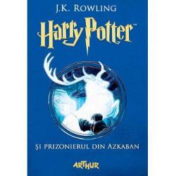Când Cavalerobuzul opre&351;te brusc în fa&355;a lui r&259;s&259;rind din întuneric pentru Harry Potter începe un nou an &351;colar care nu e nici pe departe unul obi&351;nuitSirius Black criminal în serie &351;i discipol al Lordului Voldemort a evadat de la Azkaban închisoarea vr&259;jitorilor &351;i toat&259; lumea spune c&259; ar fi pe urmele lui Harry La prima or&259; de divina&355;ie profesoara Trelawney vede în