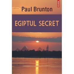 Paul Brunton este unul dintre cei mai cunoscuti autori ai secolului XXcare au cautat sursele intelepciunii imemoriale cuprinse intr-omultitudine de traditii religioase mistice sau oculte Sfinxul sipiramidele de la Giseh martori enigmatici ai unei istoriimultimilenare constituie si poarta de intrare in lumea misterioasa avechiului Egipt Cine a construit Sfinxul cind si de ce Este MareaPiramida a lui Kheops doar un urias mormint de lux Ce taine incanedescoperite ascund mormintele