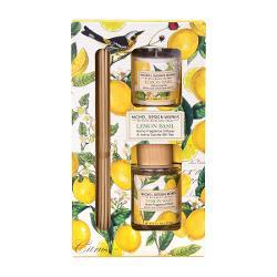 Acest set de cadou este ideal pentru orice camer&259; din cas&259; Include un difuzor de parfum cubetisoare&537;i o lumânareparfumatacu aceleasi aromeDETALIIGreutatea lumân&259;rii 48 g Volum difuzor 70 ml Dimensiune aproximativ&259; a cutiei 1143 x 572 x 2095 cmAROM&258;Note citrice de lamaie si mandarina imbunatatite cu frunza verde de busuioc