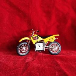 Miniatura decorativa motocicleta ceas c3350
