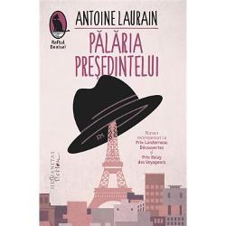 Un succes literar incontestabil al anului 2012 în Fran&539;a romanulP&259;l&259;ria Pre&537;edinteluiLe Chapeau de Mitterrand a ob&539;inut premiile Landerneau Découvertes &537;i Relay des Voyageurs A fost ecranizat în 2014 în regia lui Robin Davis Tradus în peste 15 limbi în Marea Britanie a intrat în Kindle Top 5 &537;i a devenit