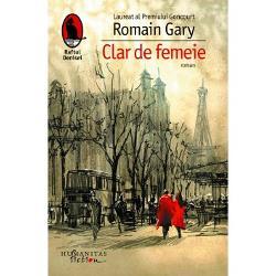 """Ecranizat în 1979 de Costa-Gavras cu Romy Schneider &537;i Yves Montand în rolurile principale romanul """"Clar de femeie"""" este un subtil exerci&539;iu de admira&539;ie care porne&537;te de la cea de-a """"treia dimensiune"""" a b&259;rbatului &537;i a femeii cuplulÎn Paris pe rue de Bourgogne"""