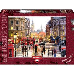 Puzzle 2000 piese London Landscape - RICHARD MACNEILLondra - animatie&160;si culoare - o ilustrare superba a orasului realizata de artistul Richard Macneil&160;Dimensiune cutie  435x30x6 cmDimensiune puzzle  96x68 cm