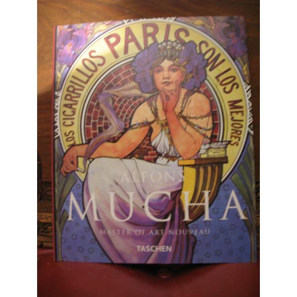 Alfons Mucha carte cu 12 postere