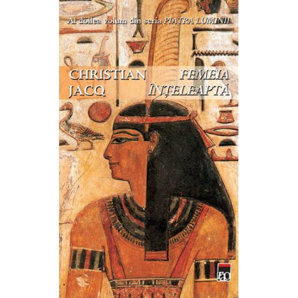 De la  moartea lui Ramses cel Mare asupra artizanilor din Loca&351;ul&160;Adev&259;rului se abat vremuri grele Cine poate &351;ti dac&259; noul faraon va&160;dori s&259; continue opera tat&259;lui s&259;u &351;i s&259; asigure protec&355;ie cet&259;&355;ii&160;secrete Mai ales c&259; acum satul se afl&259; &238;n pericol &238;n ciuda vigilen&355;ei&160;de care d&259; dovad&259; clar&259; devenit&259; Femeia &238;n&355;eleapt&259; Nefer cel T&259;cut&160;este