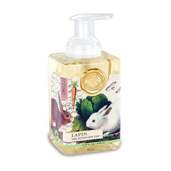 MDW Sapun lichid Lapin FOA171Sapun lichid spumaSapunul contine aloe vera si este imbogatit cu unt de sheaCatifeleaza si hidrateaza pieleaAroma iarba dulceGramaj530 ml