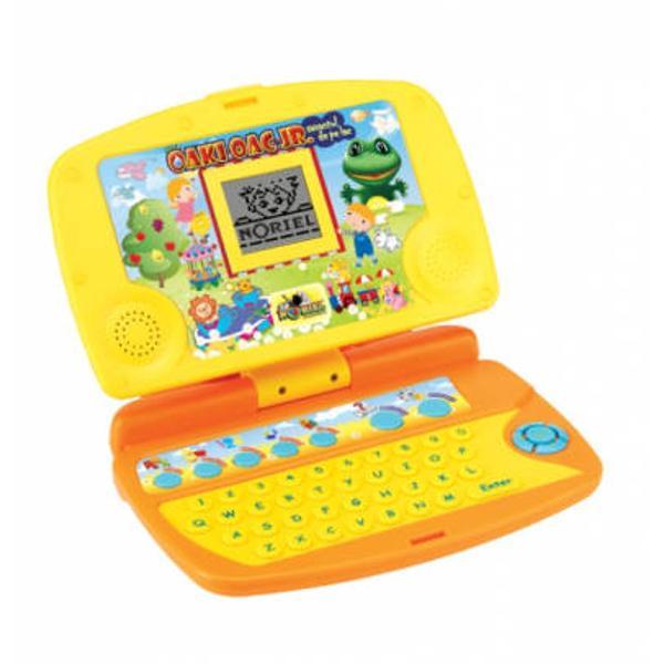 Oaki Oac va prezinta&160;Laptopul Junior&160;cu 20 de activitati&160;pentru piticii cei mai miciInvata literele asculta si gaseste cuvintele numerele asculta melodii gaseste nota joaca jocuri educative Prinde-ma Perechi Invadatori DesenLaptopul are&160;5 moduri&160;de invatare Litere Cifre Cuvinte Muzica si JocuriProdusul functioneaza cu 3 baterii tip AAALR03 incluse in scop demonstrativ trebuie inlocuite dupa achizitionareJucarie recomandata copiilor cu