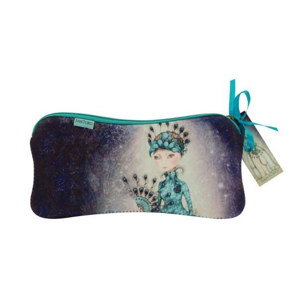 Pouch neopren Mirabelle Miss PeacockCea mai draguta solutie pentru problema pastrarii lucrurilor Un accesoriu elegant care ne prezinta frumoasa creatie Miss Peacock in culori de&160;turcoaz albastru si roz deschisDimensiuni 22x11x1 cm