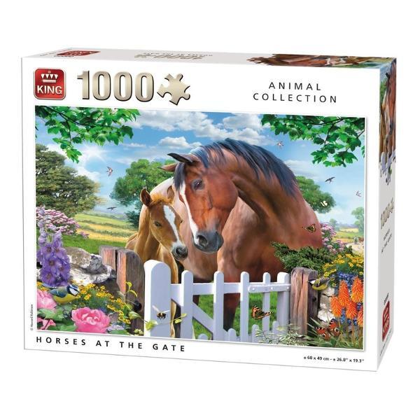 Puzzle 1000 piese Horses at the GateRezolvarea puzzle-urilor reprezinta o activitate relaxanta De asemenea iti dezvolta aptitudinileMaterialele folosite sunt de cea mai buna calitateCaracteristiciNumar piese 1000 Material Carton  Dimensiune puzzle 68 x 49 cm Dimensiune cutie 28 x 24 x 6 cm Varsta recomandata 5 aniAtentionare Produsul este contraindicat copiilor sub varsta de 3 ani deoarece poate contine piese mici care pot fi inghitite sau inhalate existand pericolul de