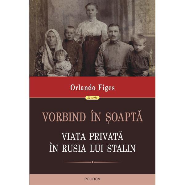 De la Revolu&539;ia din Octombrie pîn&259; la moartea lui Stalin &537;i chiar dup&259; aceea via&539;a ru&537;ilor a stat sub semnul nelini&537;tii un simplu cuvînt sau gest putea fi începutul unei cariere excep&539;ionale sau dimpotriv&259; putea distruge o întreag&259; familie În apartamentele la comun micile diferende duceau adesea la denun&539;uri fatale În spatele zîmbetului colegului de birou se putea ascunde un colaborator al