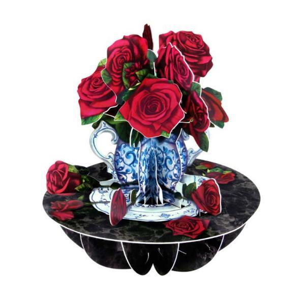 Felicitarea 3D Pirouettes Santoro-Trandafiri este o felicitare tridimensionala adresata indragostitilor si familiei Adauga o felicitare editie limitata la cadoul persoanei iubite si va fi pretuit pentru mult timp Felicitarea Pirouettes Santoro-Trandafiri se deschide prin simpla rotire a manerului in jurul bazei si te va surprinde cu un tablou tridimensional de vis Cu o perspectiva 360&730; acesta felicitare speciala florala te va incanta cu detaliile