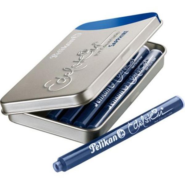 CaracteristiciCutie metalica pentru 6 patroane;Dimensiuni 81 x 49 x 09 cm;Capacitate patron 14ml;Poate fi utilizata pentru orice model de patroane;Culoare cerneala albastru safir
