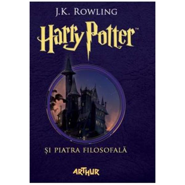 """""""Hogwarts va fi mereu aici s&259;-&355;i ureze bun-venit"""" JK Rowling""""C&259;r&355;ile Harry Potter au o calitate rar întâlnit&259; sunt adorate de p&259;rin&355;i &351;i de copii deopotriv&259;""""Daily Telegraph""""Aventurile lui Harry Potter sunt la fel de amuzante ca pove&351;tile lui Roald Dahl &351;i la fel de pline de via&355;&259; ca volumele seriei Narnia""""Daily"""