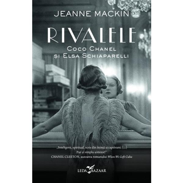 Paris 1938 Coco Chanel &537;i Elsa Schiaparelli se r&259;zboiesc de mult&259; vreme pentru titlul de cea mai bun&259; cea mai inspirat&259; dar &537;i cea mai influent&259; creatoare de mod&259; din Fran&539;a Rivalitatea dintre cele dou&259; este legendar&259; iar strategiile sunt uneori însp&259;imânt&259;toare Coco &537;i Elsa sunt cum nu se poate mai diferite fie c&259; este vorba despre op&539;iunile politice fie despre stil &538;inutele imaginate