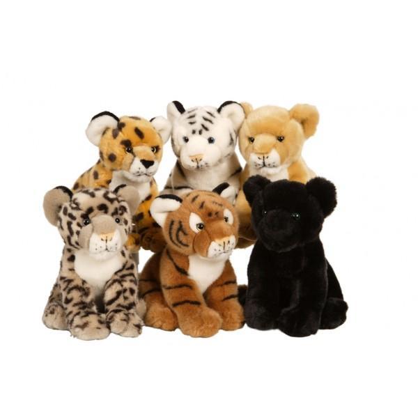 Jucarie din plus Animal salbatic felina 22 cmUn minunat cadou acesti pui de ghepard pantera leu sau tigru intrunesc si cele mai exigente dorinte simpatici confectionati din materiale de cea mai buna calitate dornici de joacaNu ai cum sa nu-i