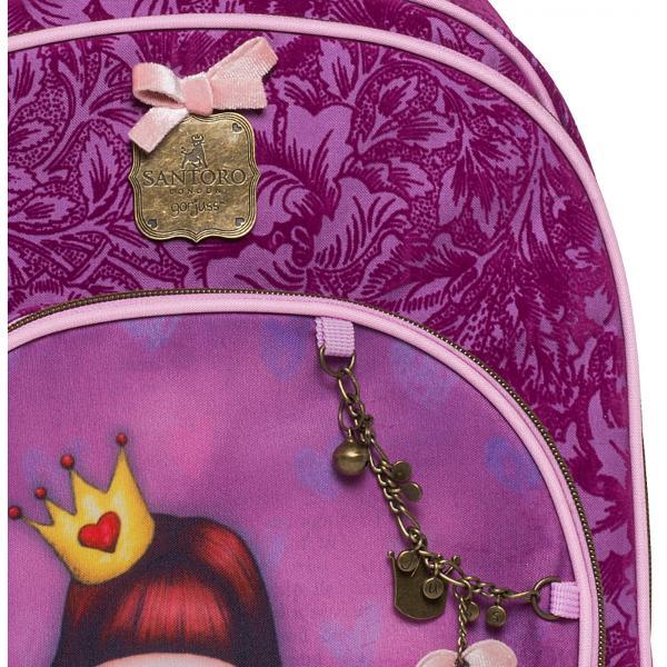Troler scoala Gorjuss Princessun mod placut de a-ti purta cartile si caietele la scoala Este ideal pentru orice fetita fan Gorjuss pentru ca pe langa design se mai adauga aspectele utile practice fiind usor de manevrat robust ceea ce concluzioneaza catre rucsac adorabilRucsacul este are trei compartimente unul principal foarte spatios dotat cu un spatiu special pentru laptop; unul mai mic
