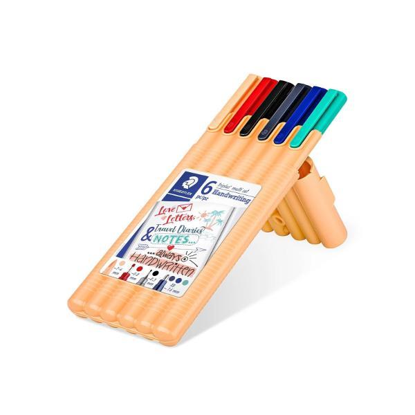 Setul con&539;ine1 marker triplus textsurfer;1 triplus broadliner;1 triplus fineliner;3 pixuri triplus ball XB - culori diverse;Un mix de instrumente de scris triunghiulare cu dimensiuni si culori diferiteÎntotdeauna instrumentul de scriere potrivit la îndemân&259;Pentru diverse utiliz&259;ri de ex birou universitate timp liberDisponibil în cutie STAEDTLER