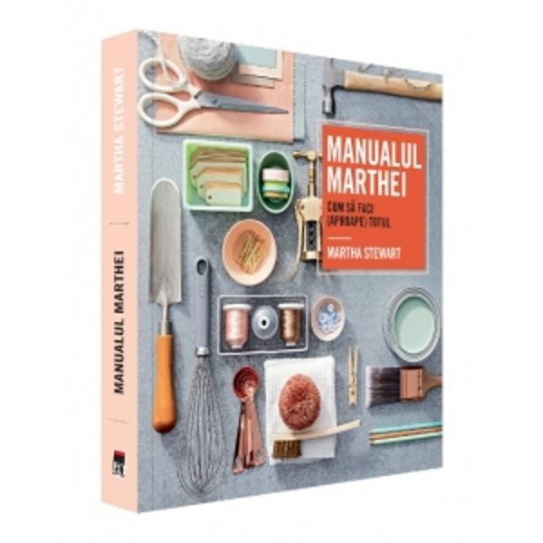 Cine nu a auzit de Martha Stewart Una dintre cele mai cunoscute dar &537;i mai controversate femei de afaceri din Statele Unite ale Americii guru al stilului de via&539;&259; luxos dar &537;i al bunuluigust model de reu&537;it&259; în via&539;&259; autoare a peste 100 de c&259;r&539;i despre g&259;tit amenaj&259;ri interioare sfaturi culinare &537;i de gr&259;din&259;ritManualul Marthei este o carte practic&259; plin&259; de idei &537;i
