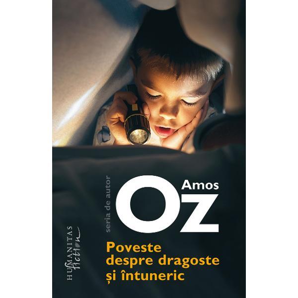 Opera lui Amos Oz este tradus&259; în peste patruzeci de limbiPoveste despre dragoste &351;i întunerica primit zece distinc&355;ii literare interna&355;ionale printre care Premiul France Culture în 2004 Premiul Goethe în 2005 &537;i National Jewish Book Award în 2006 În 2015 Natalie Portman regizeaz&259; o adaptare cinematografic&259; a c&259;r&539;ii în care joac&259; unul dintre rolurile