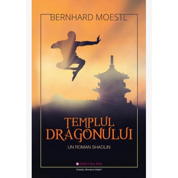 Având puternice nuan&539;e autobiografice romanul ini&539;iatic Templul Dragonului v&259; va introduce în lumea tainic&259; a c&259;lug&259;rilor ShaolinÎntr-o m&259;n&259;stire str&259;veche din mun&539;ii sacri ai Chinei un grup de c&259;lug&259;ri Buddhi&537;ti practic&259; arte mar&539;iale Oare va fi loc printre ei &537;i pentru un nou venit din Europa un b&259;rbat aflat în c&259;utarea sensului vie&539;ii Oare ace&537;ti