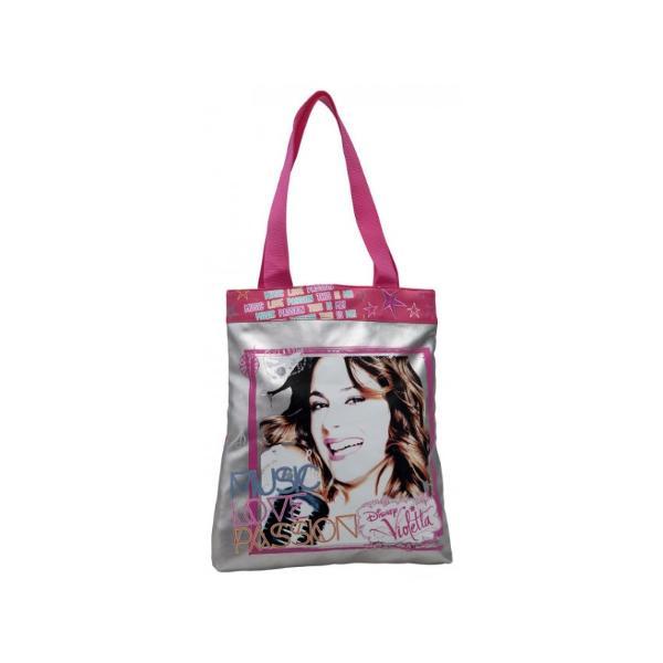 Mergi la shopping cu geanta de la DisneyViolettaCu designul sau sport-casual se potriveste foarte bine cu tinutele lejere Dimensiuni 32x38x5 cm cofectionata din poliester si piele ecologicaGeanta shopping cu licenta Disney Violetta colectia Disney Violetta