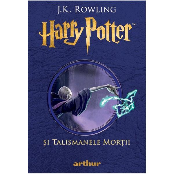 Harry Potter p&259;r&259;se&537;te pentru ultima oar&259; Aleea Privet Urc&259; &238;n ata&537;ul motocicletei lui Hagrid &537;i porne&537;te al&259;turi de uria&537; spre cer &536;tie c&259; Lord Voldemort &537;i Mortivorii sunt pe urmele lor nu prea departe E rupt&259; vraja de protec&539;ie care l-a ap&259;rat p&226;n&259; de cur&226;nd &238;ns&259; el nu se poate ascunde la nesf&226;r&537;it To&539;i cei iubi&539;i de Harry sunt