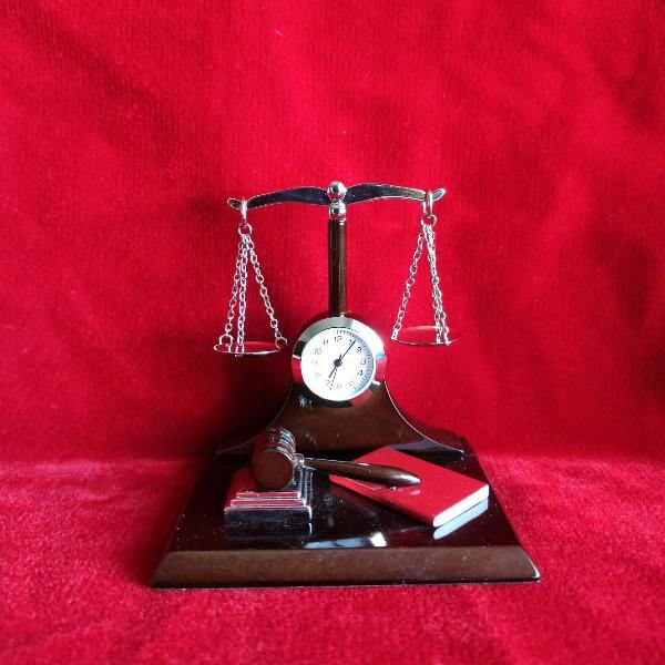 Miniatura decorativa justitie ceas c3634