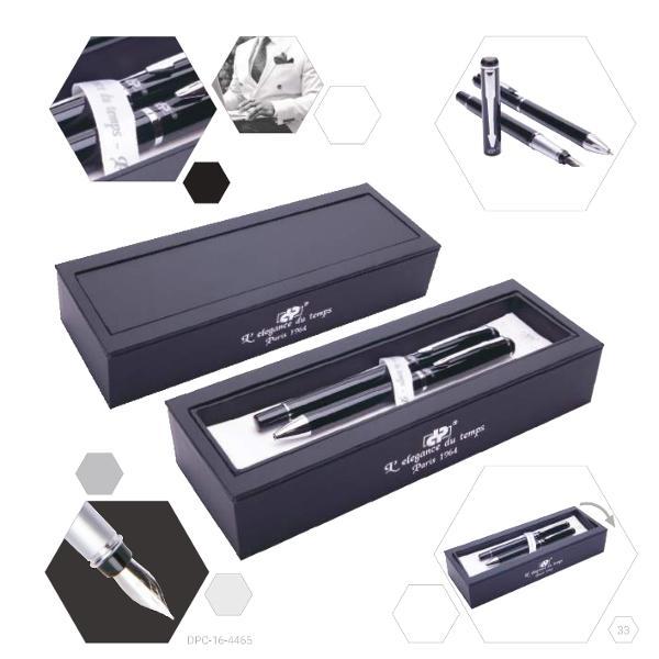Noir cu accesorii cromateEtui noir cu interior satin albScriere precis&259; datorit&259; debitului controlatPeni&539;&259; din iridium &537;i o&539;el inoxidabilL&259;&539;ime peni&539;&259; F pentru lejeritate în scriereDimensiuni cutie 20 x 4 x 7 cm
