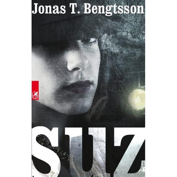 Romanul lui Bengtsson este un portret rece al unei femei tinere din locurile umbrite ale &355;&259;rii despre care se crede c&259; are cei mai ferici&355;i locuitori din lumeBogpusheren DanemarcaO poveste dur&259; &351;i lipsit&259; de prejudec&259;&355;i despre cele mai vulnerabile &351;i dificile medii sociale care în acela&351;i timp înf&259;&355;i&351;eaz&259; percep&355;ia c&259; în&259;untrul fiec&259;ruia dintre noi