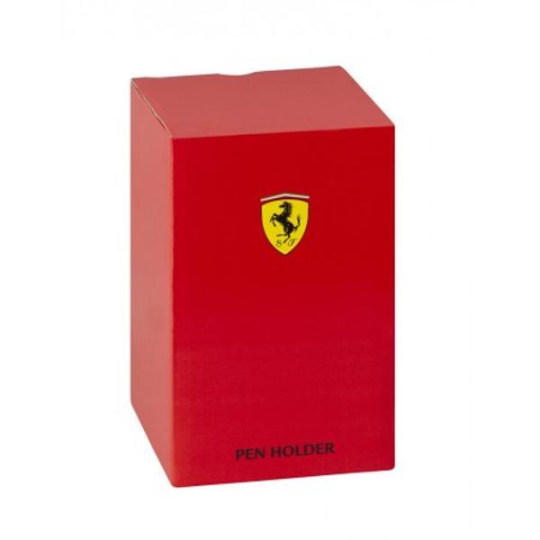 Suport instrumente scris Ferrari negru un suport pentru instrumentele de scris cu logo-ul Ferrari Special pentru un birou elegant acest suport pentru instrumente scris Ferrari poate fi un cadou special pentru un coleg de birou pentru sef sau pentru cei dragi tie tata frate sot iubitSuportul de intrumente scris Ferrari este imbracat in piele ecologica de cea mai buna calitate neagra la exterior si rosie in interior Logo-ul Ferrari este cusut in relief pe