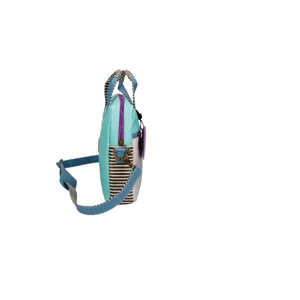 Geantacu un compartiment pentru laptop dimensiuni 25 x 33 x 5 cmBareta ajustabiladetasabila cu lungimea de aproximativ 75cmMaterial piele ecologicaUn buzunar frontalInchidere cu fermoarManer superior