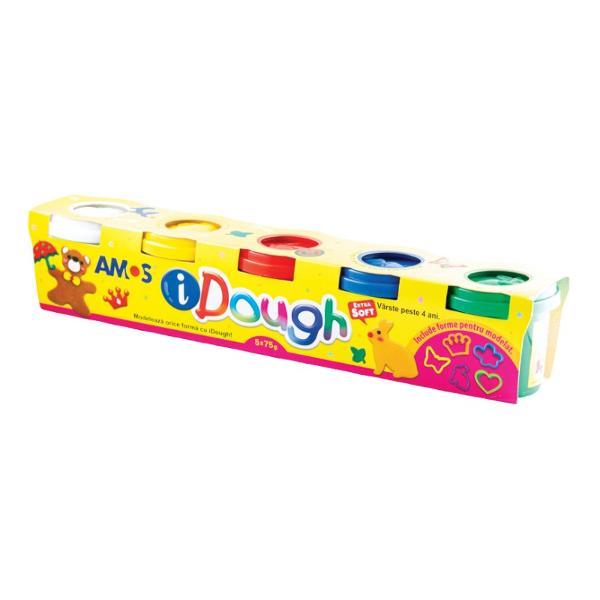 Setul con&539;ine 5 cutii plastilin&259; iDough 75g  4 matri&539;e decorativeiDough este o plastilin&259; special conceput&259; pentru copii fiind fabricat&259;din f&259;in&259; de grâu ap&259; &537;i coloran&539;iDatorit&259; acestei compozi&539;ii plastilinaeste foarte moale &537;i nu p&259;teaz&259;Culorile se combin&259; perfect