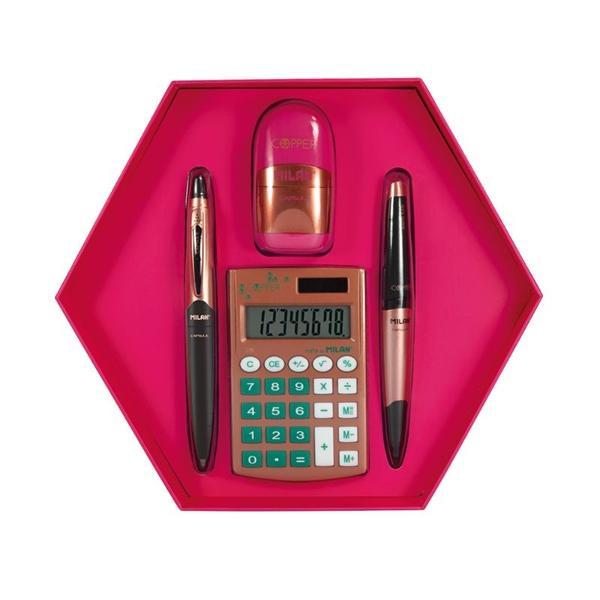 Setin forma hexagonala special conceput pentru a fi daruit cadou celor dragiCon&539;ine4 produse edi&539;ia roz-argintiu1 rascutitoare cu radiera CAPSULEroz1 pix CAPSULE cu cerneala albastra1 creion mecanic CAPSULEnegru 05 mm1 calculator de 8 cifreargintiu-verdeDimensiuni 220 x 195 x 35 mm 023 kg