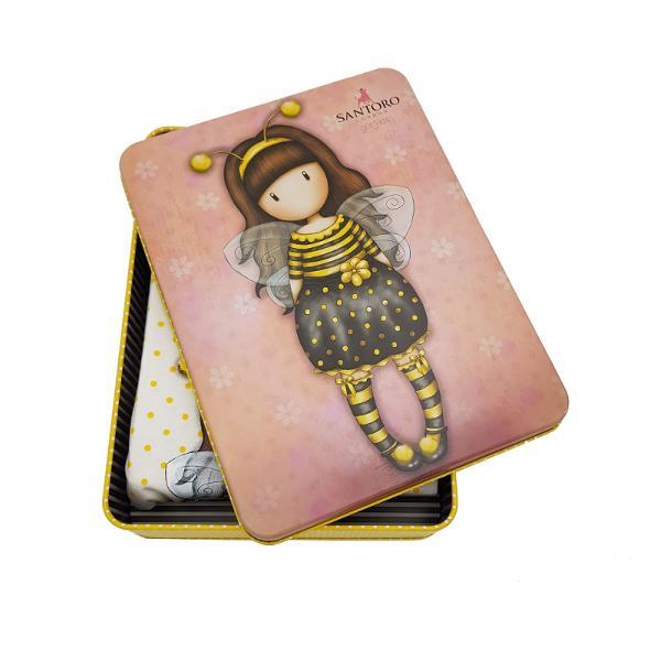 Rochie plaja&160;copii Gorjuss Bee LovedRochie plaja copii Gorjuss Bee Loved&160;este o&160;rochita lejera&160;fabricata dintr-un material usor racoros ideal pentru noptile calduroare de vara avand in compozitie 100 bumbacRochita de vara pentru&160;copii Gorjuss Bee Loved&160;este in partea de sus sub forma unui maieu accesorizat cu o fundita galbena la spate in partea de sus Rochita este galbena cu alb plina de buline Partea de sus este