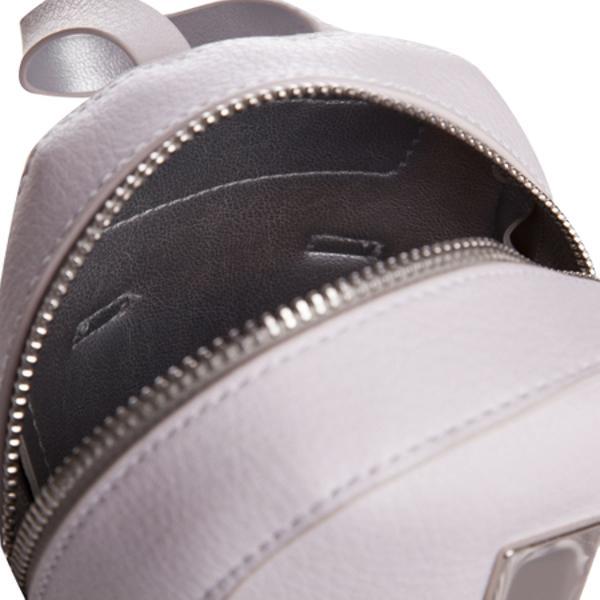 Borseta de dama impermeabila din PUUn compatiment principal inchis cu fermoarCurea pentru umar din metalCurea suplimentara pentru prinderea de talieDimensiuni 17x12x7 CMCuloare Gri