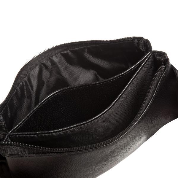 Borseta eleganta din piele ecologica cu trei compartimente inchisa cu ajutorul unui fermoarLa exterior prezinta pe partea frontala un buzunar inchis cu fermoarBorseta are o curea reglabila din material textil prevazuta cu catarama de prindere la brauDimensiune13x22x2 CM