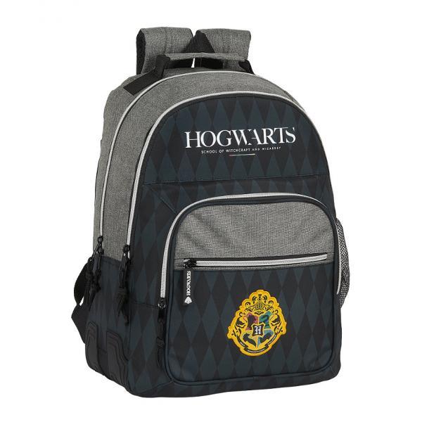 Rucsac scoala dublu Harry PotterPovestea fantastica Harry Potter este o inspiratie pentru designeri Colegiul Hogwards imprima prin simbolurile sale distincte eleganta curaj si putereGhiozdanul dublu are doua compartimente principale foarte incapatoare si inca doua secundare in interiorul carora se pot depozita obiecte de dimensiuni reduseIn primul compartiment secundar se gasesc 3 spatii pentru