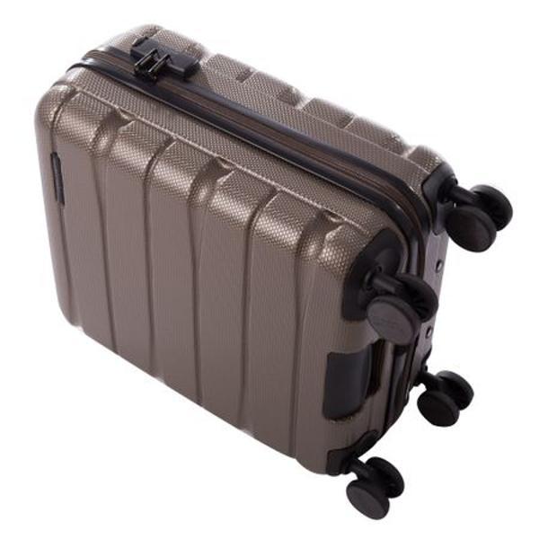 DetaliiTroler ABS cu structura rezistenta si design inovator4 roti spinnerSistem de inchidere cu cifruManer superiorpentru o mai usoara manevrareCaptusit la interior benzi elastice pentru fixarea bagajelor si un buzunar inchis cu fermoarDimensiuni 55x41x22 cm